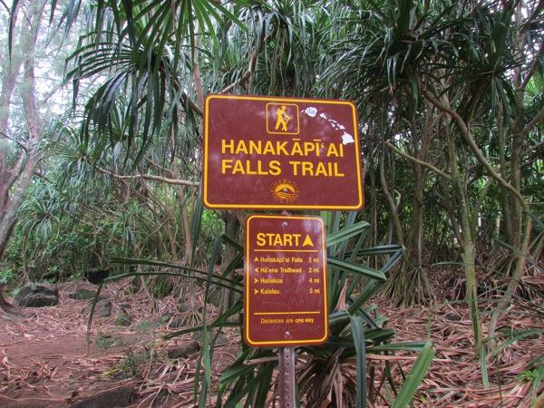Hanakapi-Ai-Falls-Trailhead.JPG