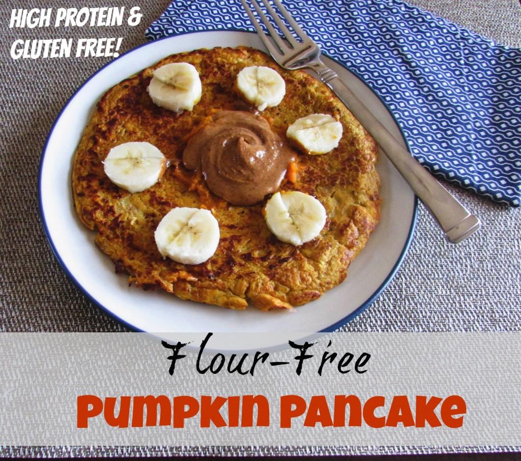 Flour Free Pumpkin Pancake www.hungryhobby.net (gluten free, paleo)