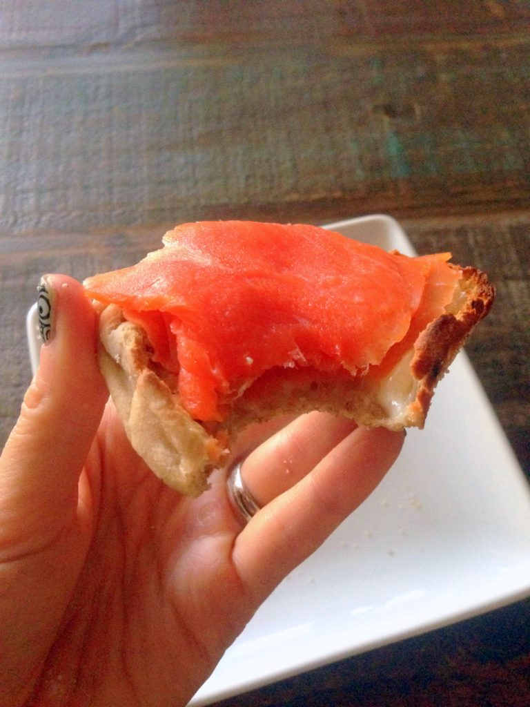smoked salmon muffin2