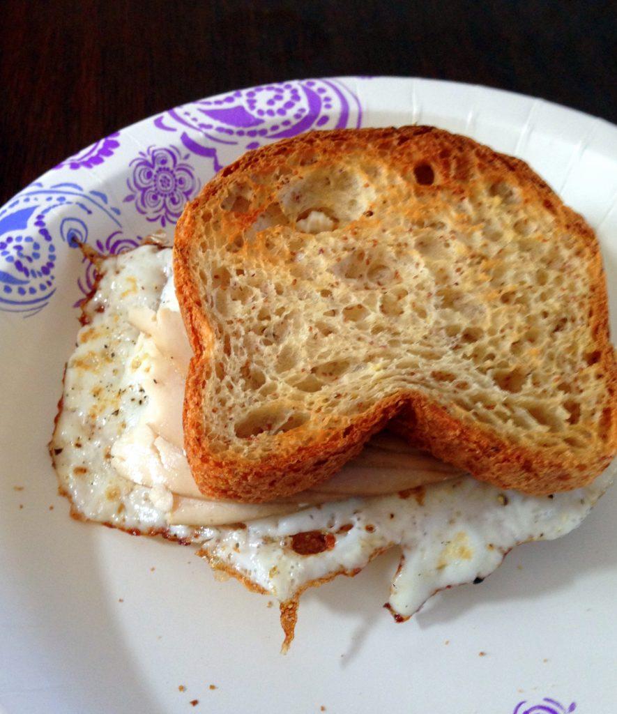 egg sandwhich close up