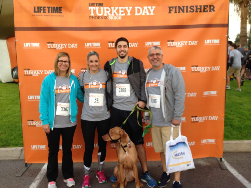 turkey day 10k family photo