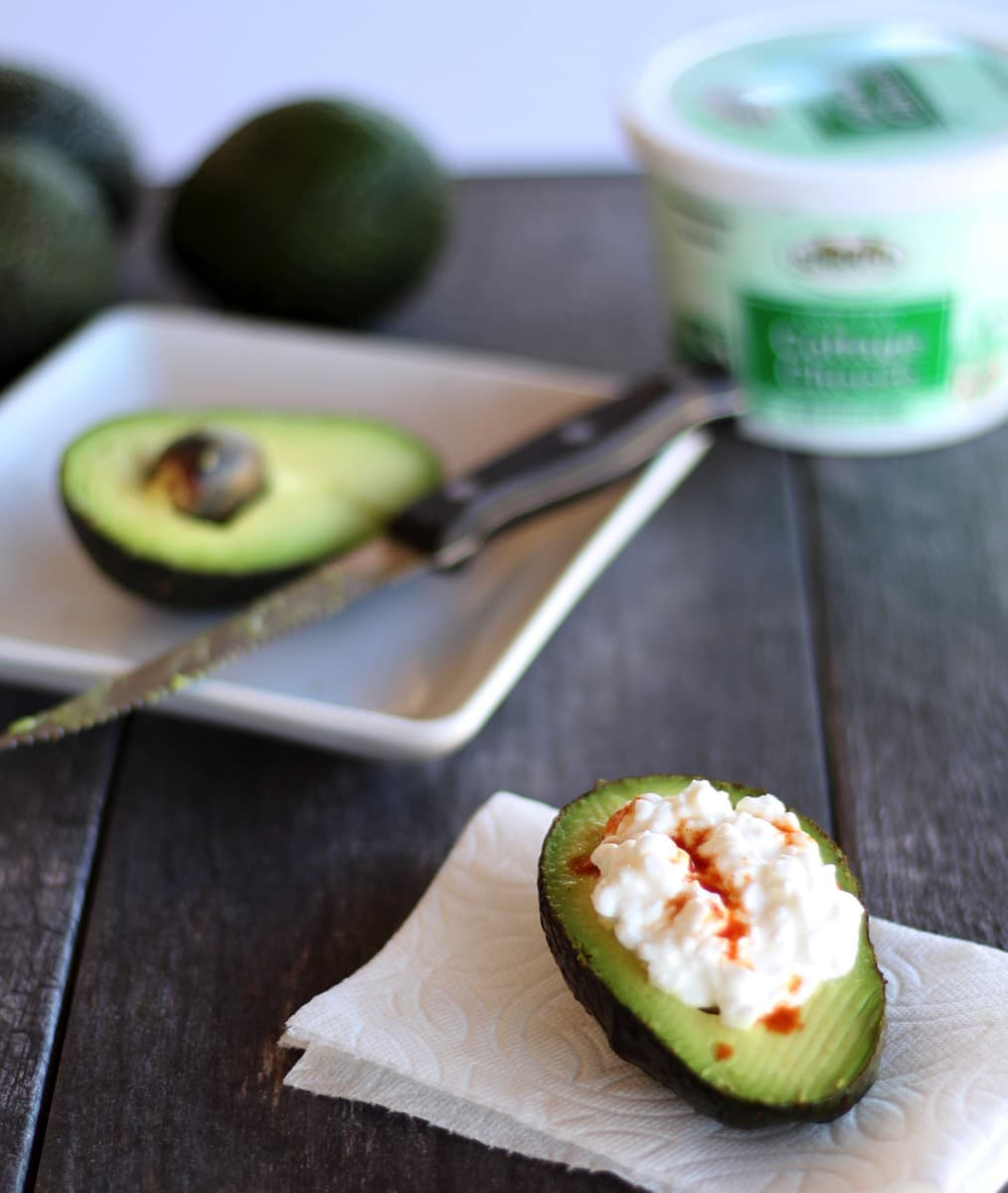 Avocado coattage cheese