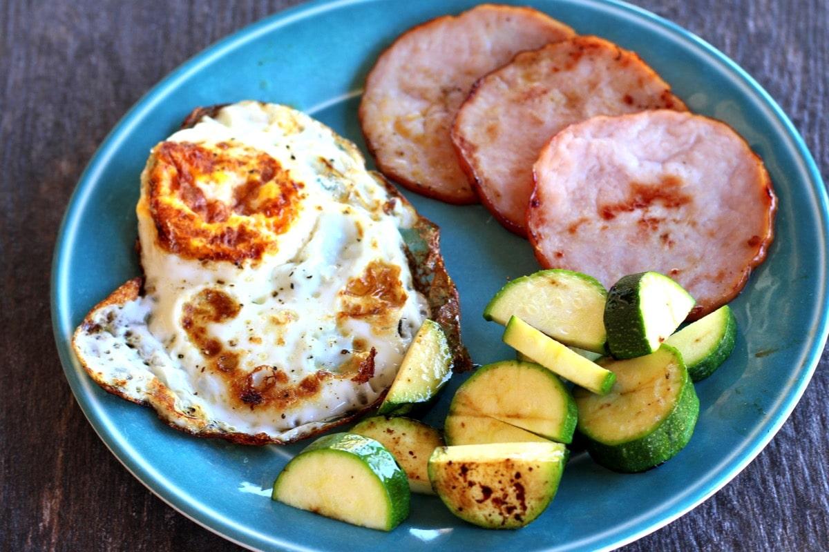 Ham egg zucchini