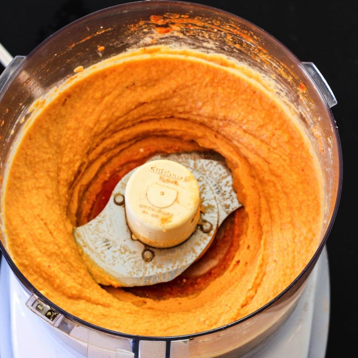 Hummus in processor 1 of 1