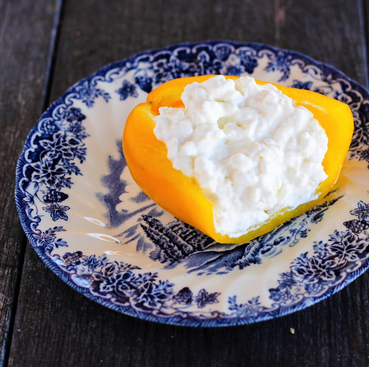 160217-bell-pepper-cottage-cheese.jpg