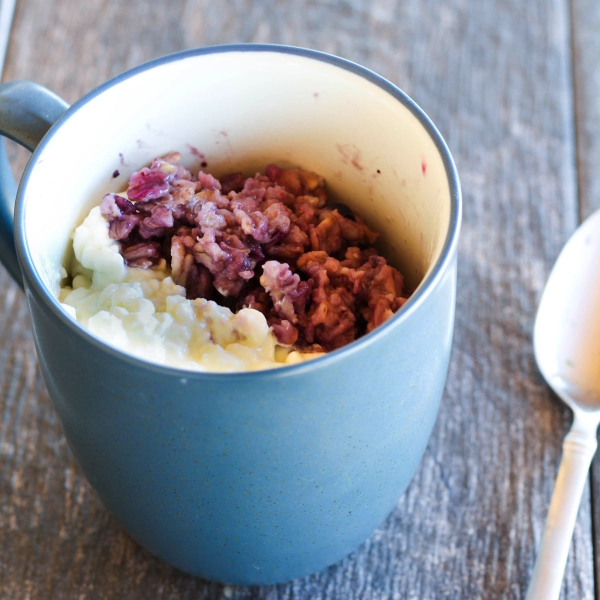high-protein-oatmeal-cottage-cheese-blueberry
