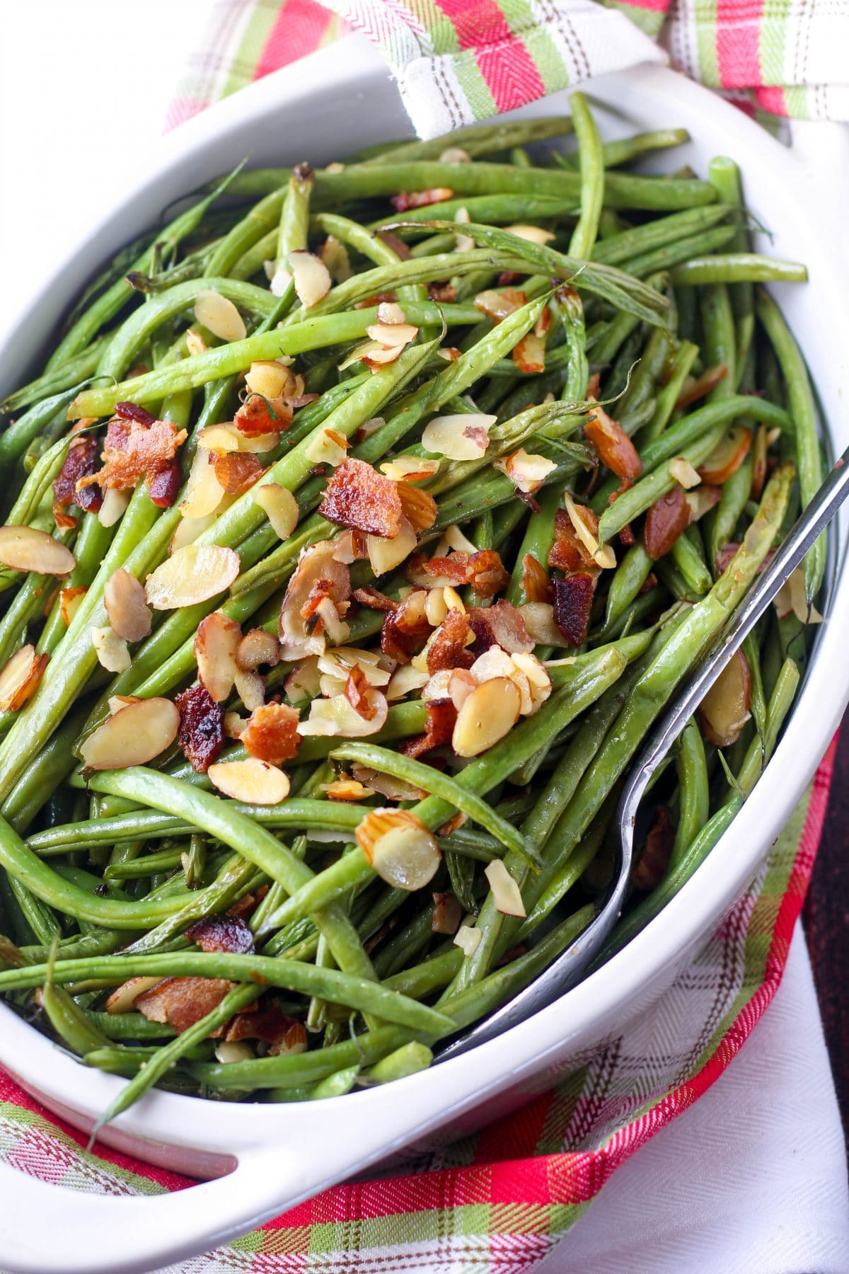 Bacon Green Beans Paleo Recipe via www.hungryhobby.net