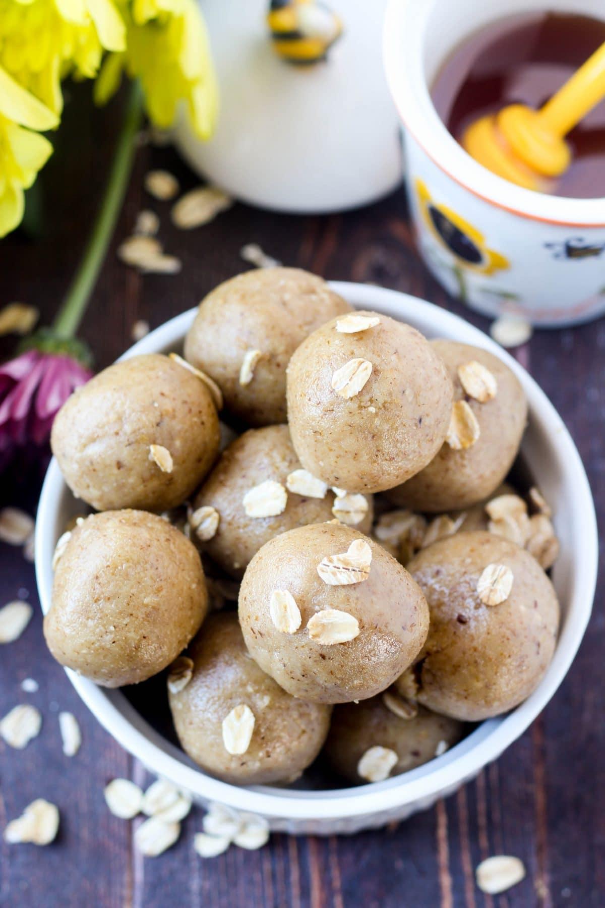walnut-snack-balls-image
