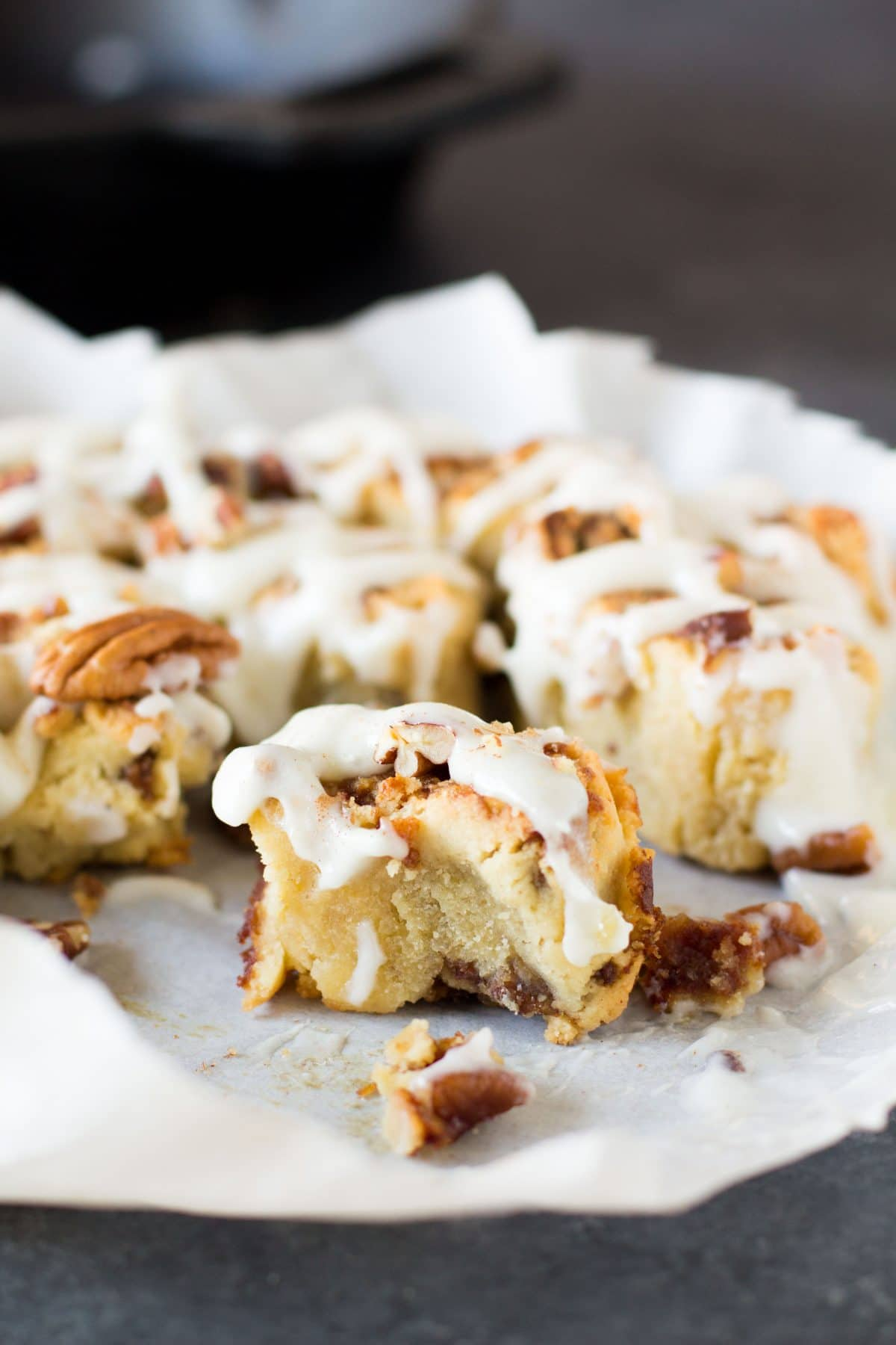 gluten-free-healthy-cinnamon-rolls-without-yeast