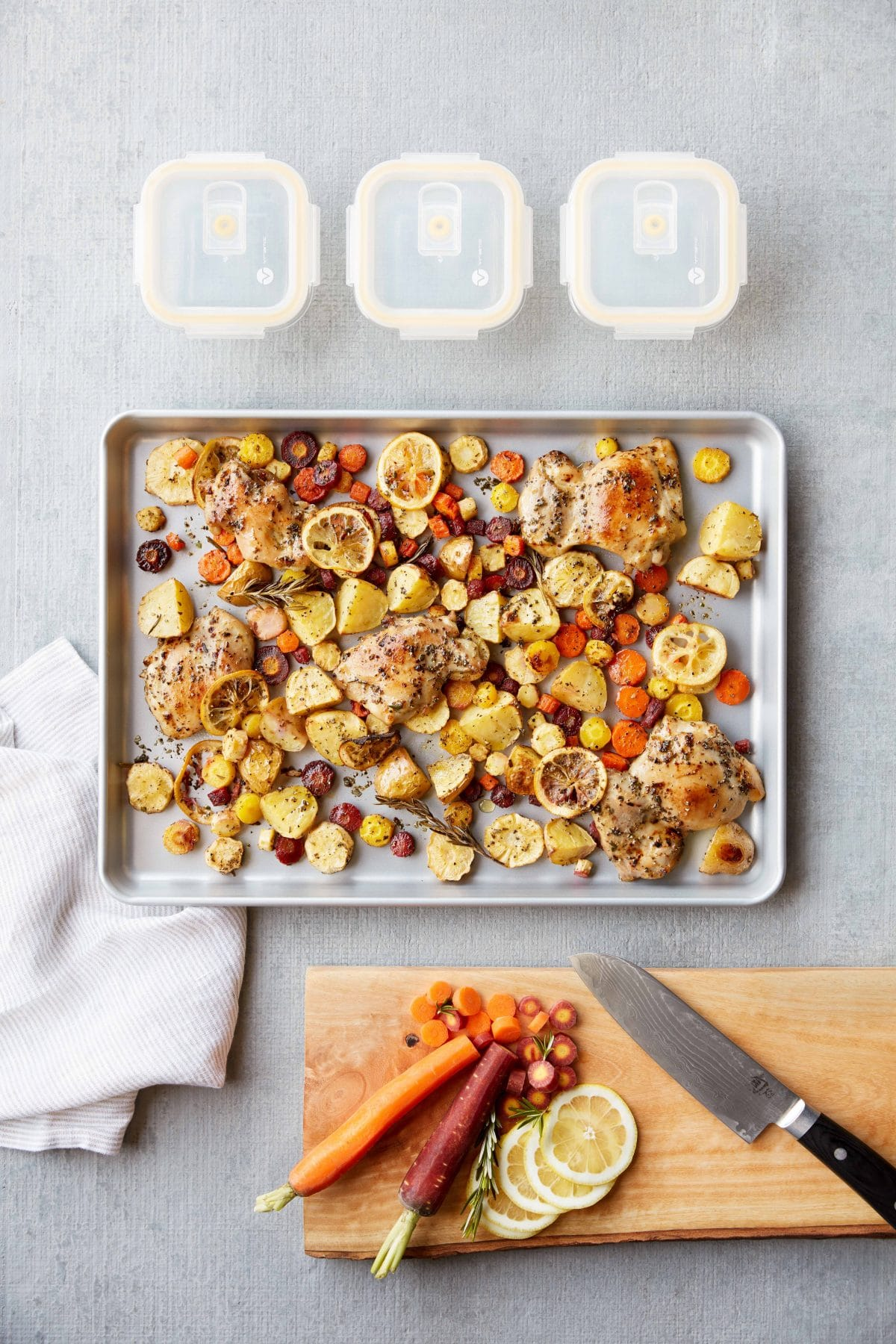 This sheet pan lemon chicken recipe is a super easy meal prep win!  It's even freezer friendly and gluten free, what's better than that??? #glutenfree #mealprep #healthy #dinner #chicken #paleo #hungryhobby