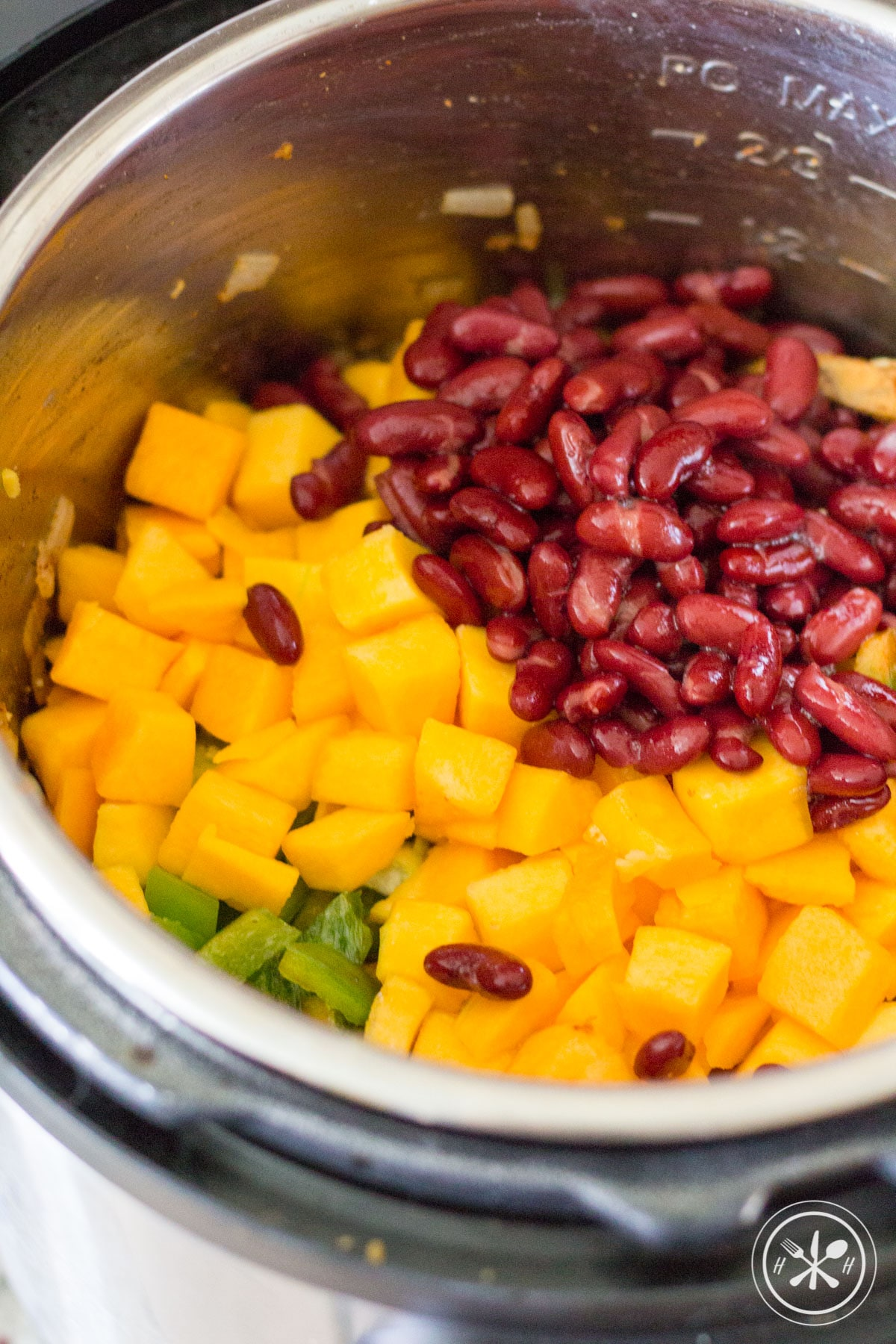 Healthy chili ingredients in the instant pot.