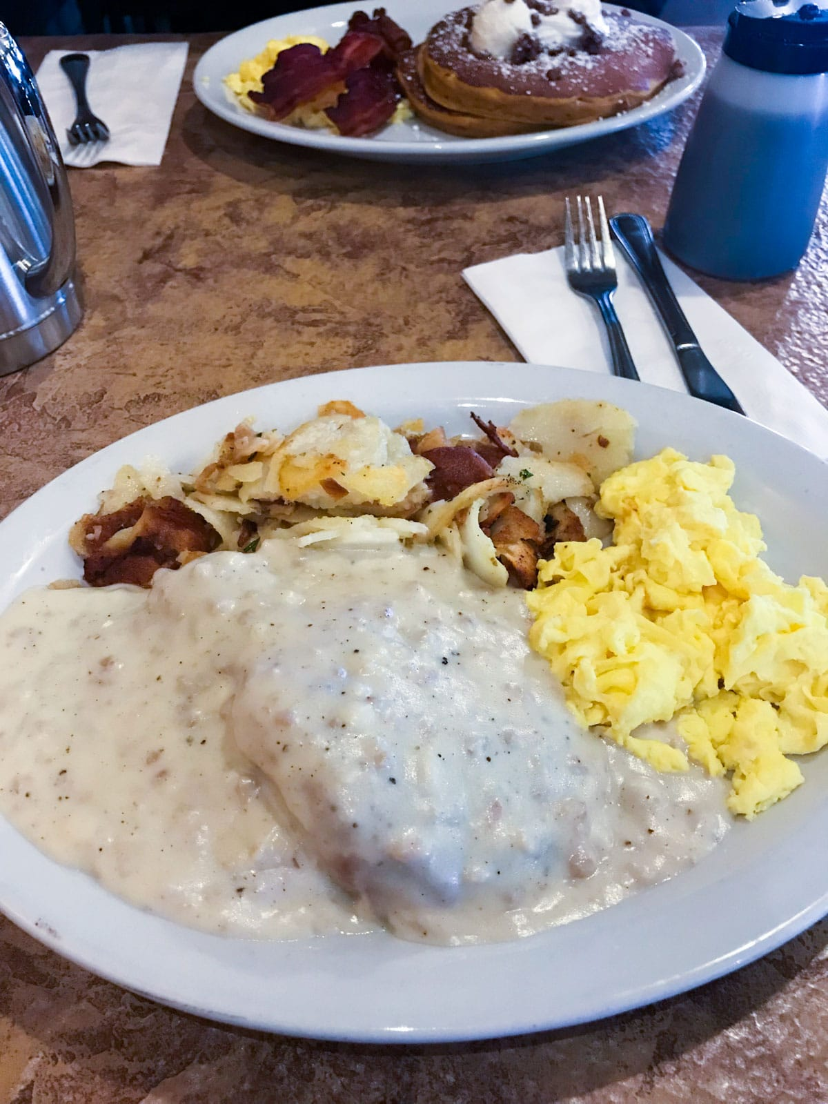 biscuits and gravy - crackers cafe
