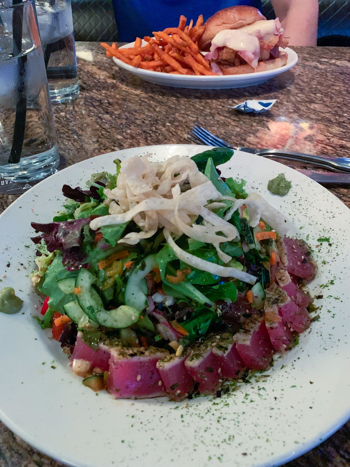 BJs Brewery Seared Tuna Salad